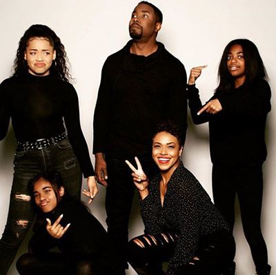 Gillian Iliana Waters and Michael Jai White with their Daughters