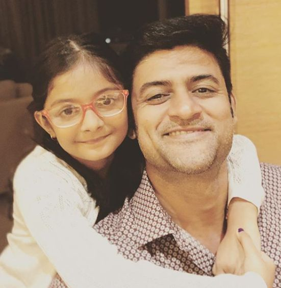Manav Gohil with his daughter