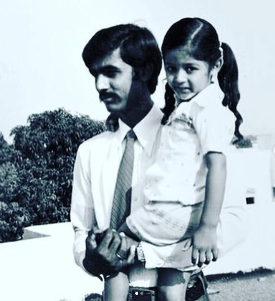 Manav Gohil's father and sister