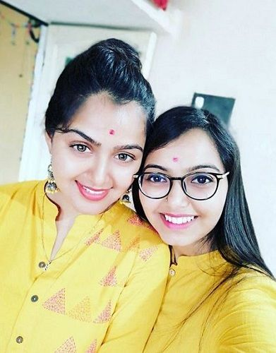 Monal Gajjar and Her Younger Sister