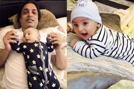 Shoaib Akhtar with his elder son Mikaeel Ali