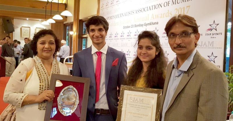 Vidit Gujrathi with his family during an award ceremony