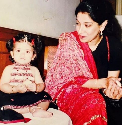 An Old Picture of Divya Seth and Her Daughter