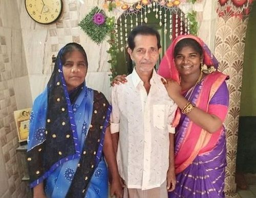 Aranthangi Nisha With Her Parents