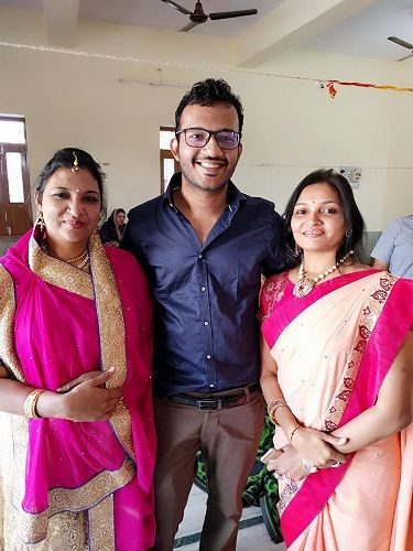Ashish Bagrecha With His Mother and Aunt