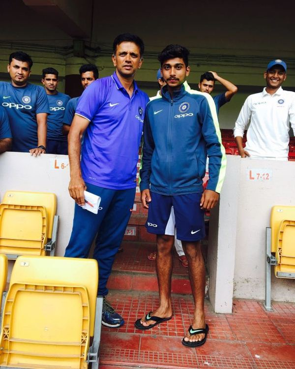 Darshan Nalkande with Rahul Dravid during the India U-19 test series