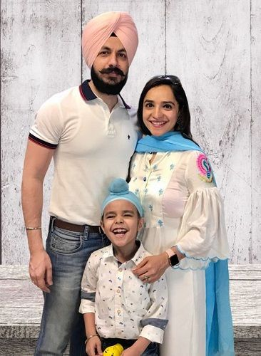 Lavleen Kaur (right) With Her Husband Jagandeep Singh (left) & Son Meharmeet (in centre)