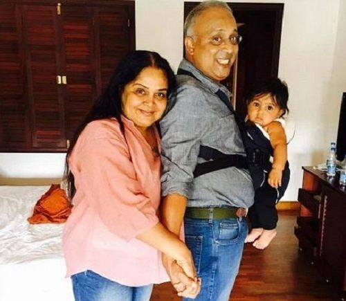 Samyuktha Karthik's Parents With Her Son