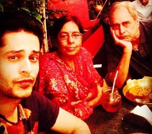 Shardul Pandit with his parents