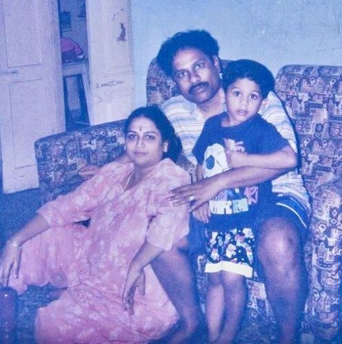 Suresh Chakravarthy's Old Picture With His Wife and Son