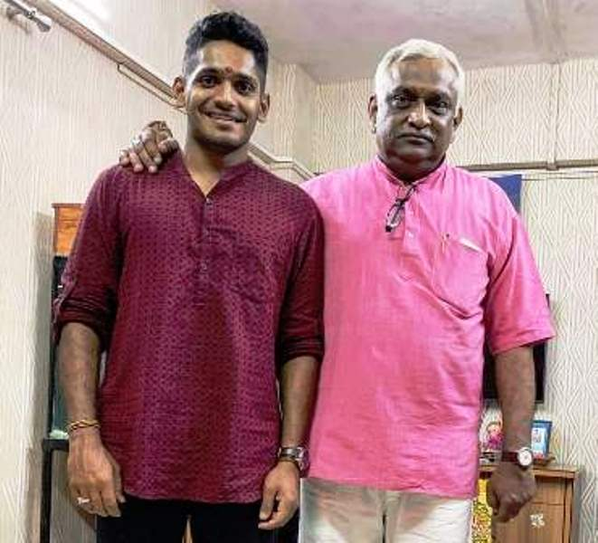Tushar Deshpande with his father, Uday Deshpande