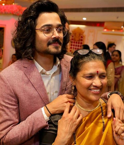 Bhuvan Bam with his mother