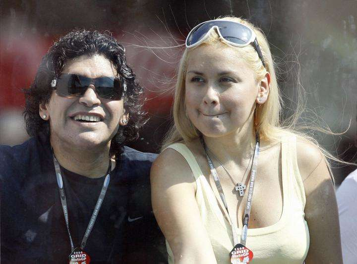 Diego Maradona with Veronica before their child was born