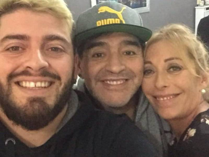 Diego Sinagra with his parents