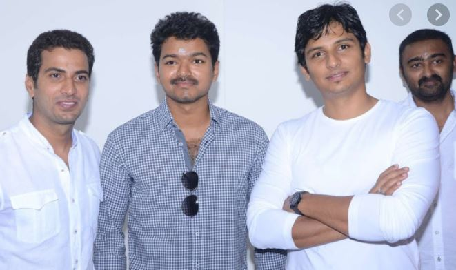 Jithan Ramesh with his brothers