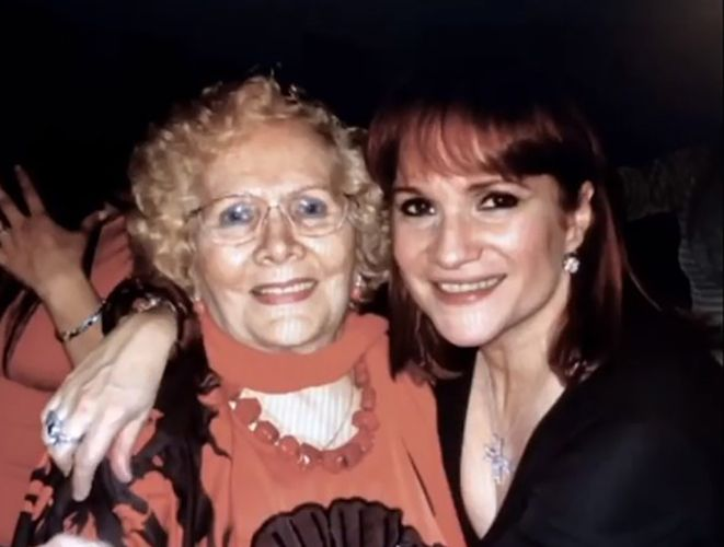 Lucia Galán with her Mother
