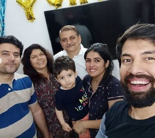 Milind Chandwani With His Family