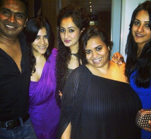 Ruchikaa Kapoor with her friends