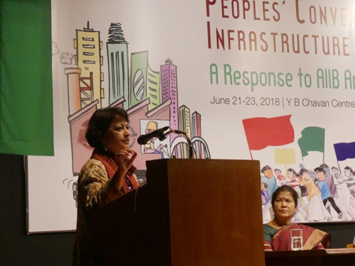 Sucheta Dalal addressing the audience at People's Convention on finance structure