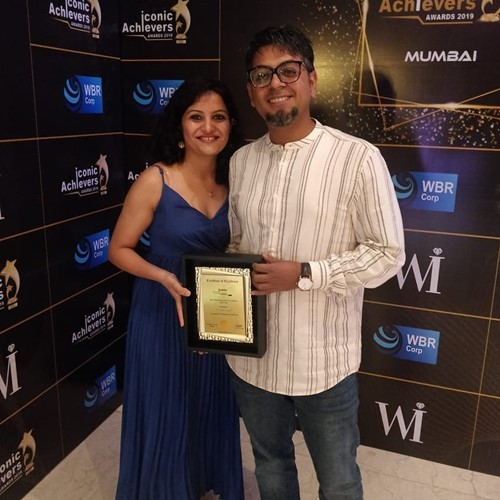 Abijit Ganguly with his wife, Nidhi Shah at the award function