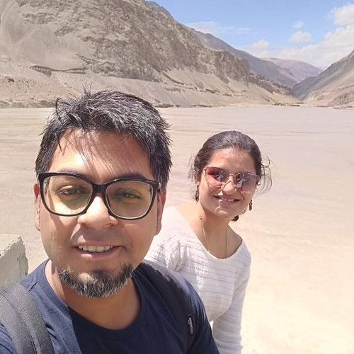 Abijit Ganguly with his wife, Nidhi Shah on a trip to Leh Ladakh