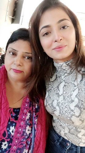Afreen Alvi with her Mother