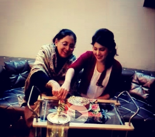 Dr. Fiza Khan celebrating her birthday with her mother