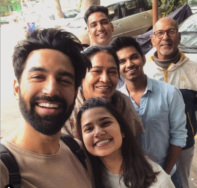 Nishant Dahiya with his parents and siblings