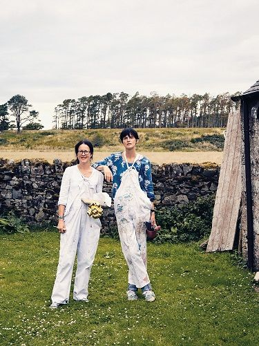 Stella Tennant with her Sister