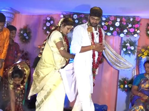 Swathi Naidu with her husband Avinash during their wedding