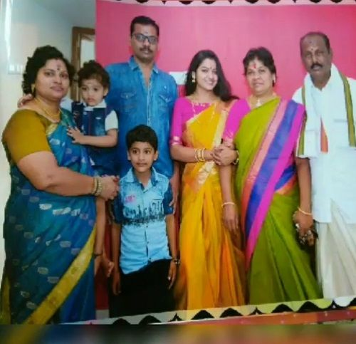 VJ Chitra with her Family