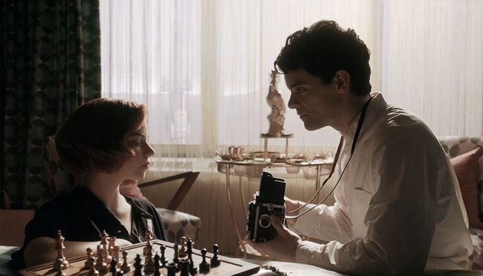 Beth Harmon (played by Anya Taylor-Joy) with D.L. Townes (played by Jacob Fortune-Lloyd) in a scene from The Queen's Gambit (2020)