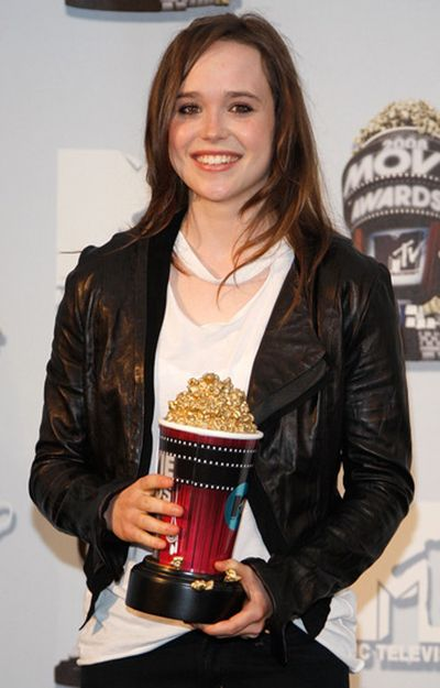 Elliot Page with his MTV Movie Award