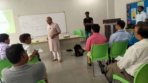 H. C. Verma interacting with teachers during his workshop
