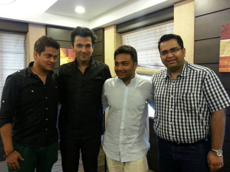 Hemant Kher with chef Vikas Khanna