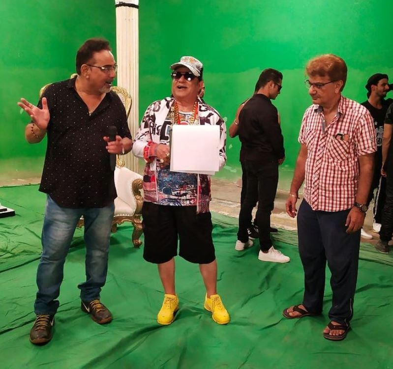 Pappu Khanna working on the choreography of a song