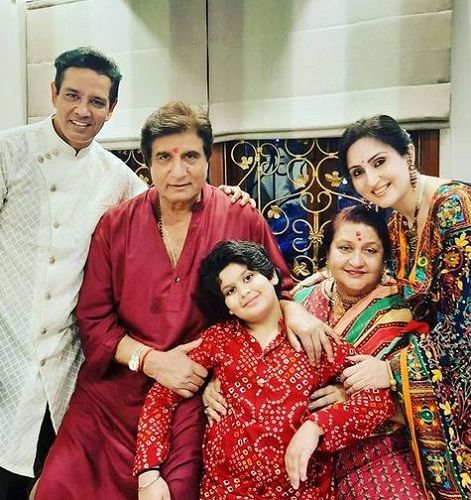 Raj Babbar with his wife Nadira, daughter, son-in-law, and grandson