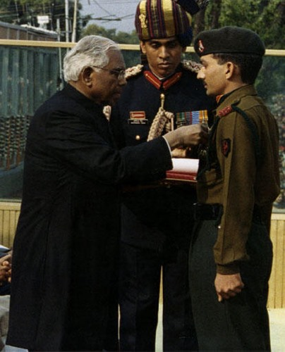 Subedar Sanjay Kumar receiving the Param Vir Chakra Award