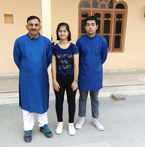 Subedar Sanjay Kumar with his kids