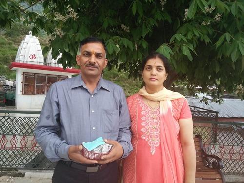 Subedar Sanjay Kumar with his wife, Promila