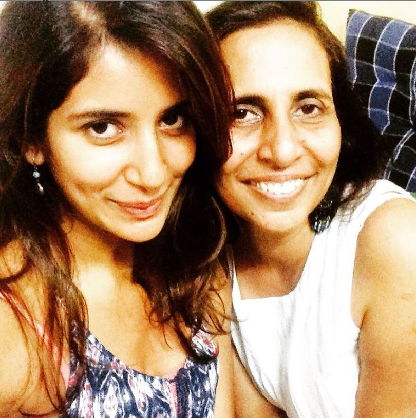 Ayn Zoya with her mother