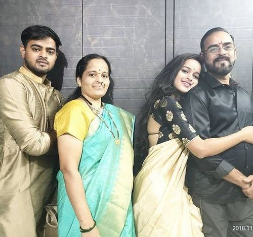 Chinmayee Salvi with her family