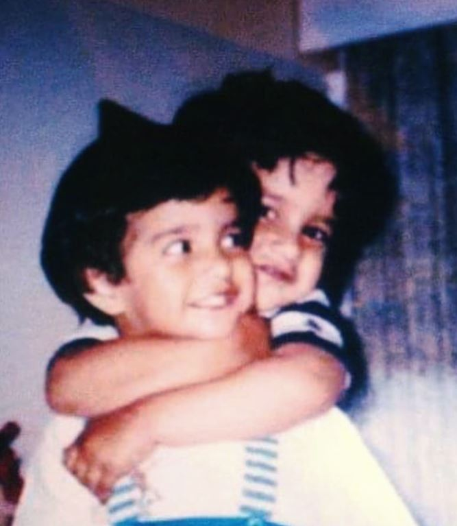 Ipsitaa Khullar in childhood with her brother