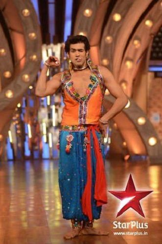 Karan Khanna in Just Dance
