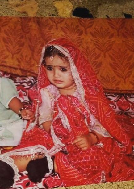 Khushboo Atre's childhood picture