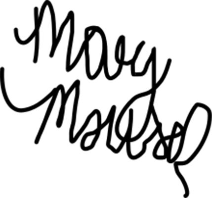 Mary Mouser autograph