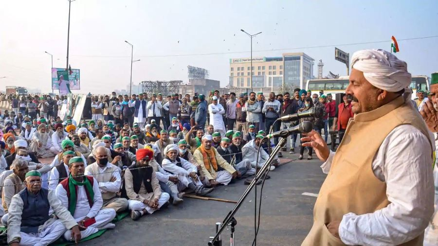 Naresh Tikait addressing farmers during their protest against the new farm laws, at Ghazipur Border on 23 December 2020