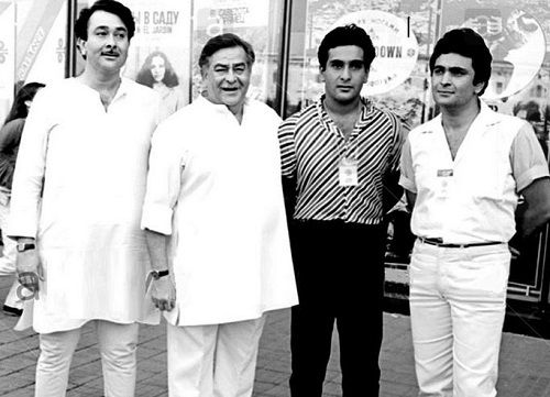 Rajiv Kapoor with his father and brothers