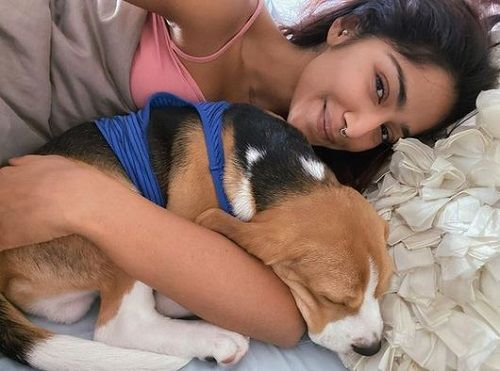 Santoshi Shetty with her pet dog