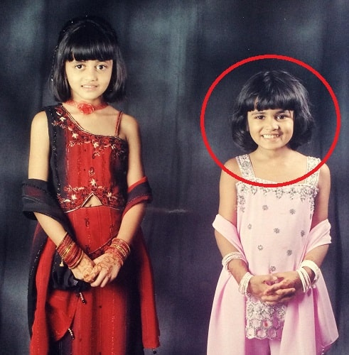 Shivani Patil's childhood picture with her sister